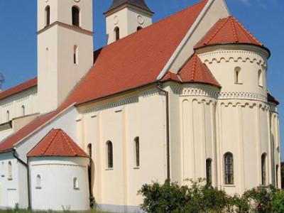Románsky kostolík Diakovce